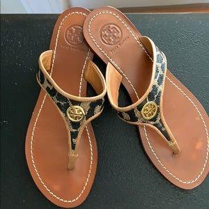 Tory Burch leopard print thong sandals. Size 51/2